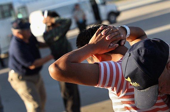 Undocumented_Immigrants_570px.jpg
